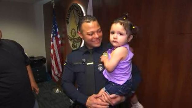 Officer Meets Tot He Saved From Choking