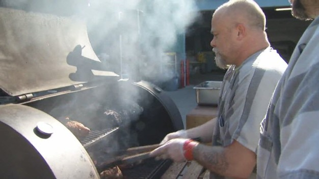 Elmwood Jail Guards Treat Inmates to Barbecue