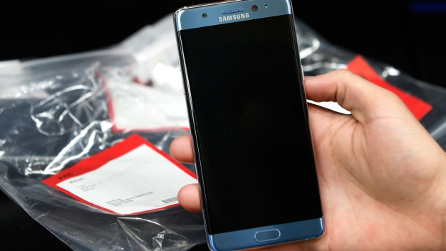 US Bans Samsung Galaxy Note 7 Phones From Planes