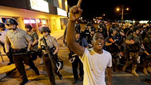 Cop Threatens to Kill Protester in Ferguson
