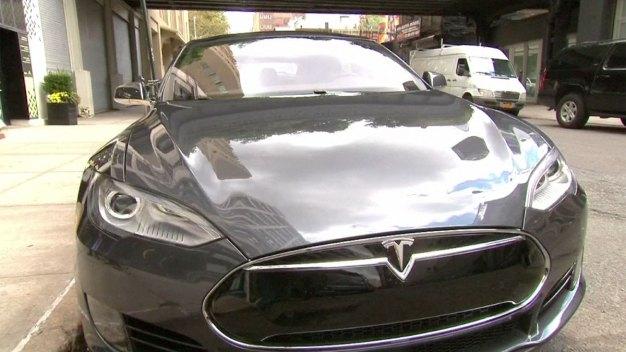 Silicon Valley Reacts to Autonomous Tesla Crash