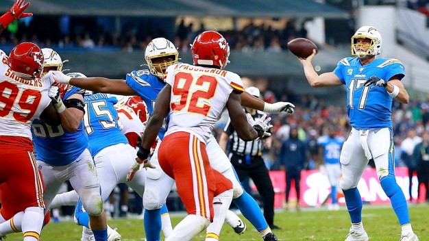 Chargers Can't Complete Comeback Against Chiefs in Mexico City