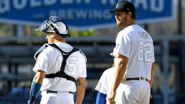 Yankees Hit 3 Homers Off Kershaw, Beat Dodgers 5-1