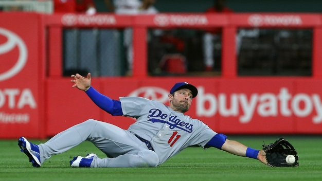 Bryce Harper Rallies Phillies Past Dodgers, 9-8