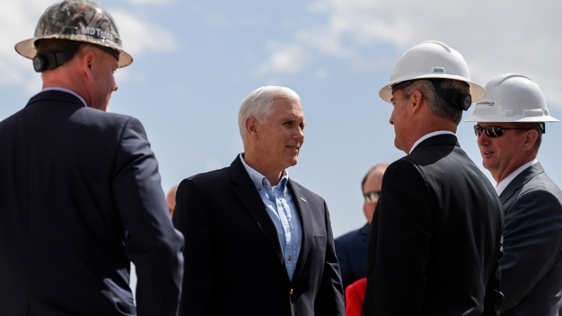 Pence Steps Up Pressure for Trade Deal With Mexico, Canada