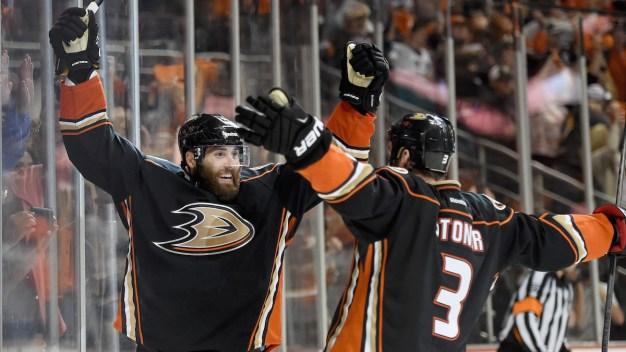 Ducks Beat Blackhawks 5-4 in OT