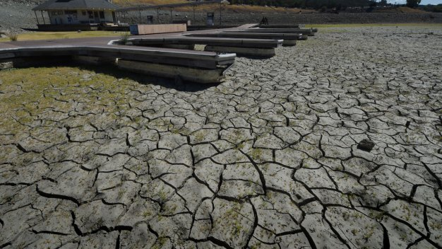 Calif. Imposes First Drought Fines to Suppliers Overusing Water