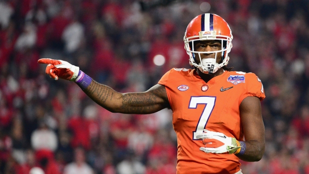 Chargers Select Clemson Receiver With 7th Pick in Draft