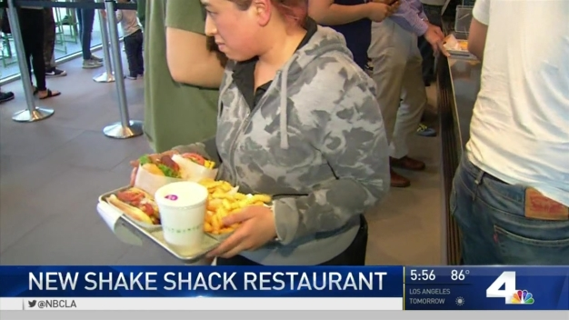 New Shake Shack Opens in Glendale