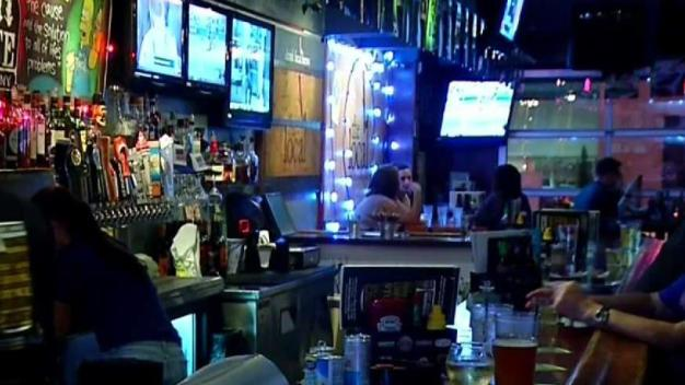 Senate Bill Could Allow Cities to Extend Last Call