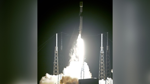 SpaceX Launches Rocket From Cape Canaveral