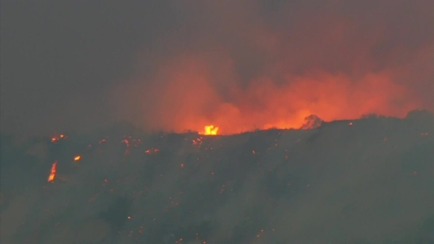 Thomas Fire Grows to 173K Acres Sunday Morning