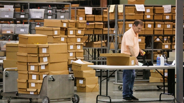 Florida Goes to Hand Recount in Bitter US Senate Race