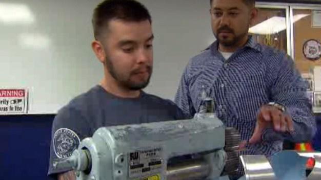 Program Helps Train Vets For New Jobs