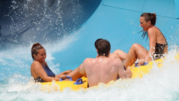 Aquatica SeaWorld Water Park Officially Opens
