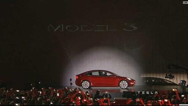 Tesla Model 3 Going on Display at Palo Alto Showroom