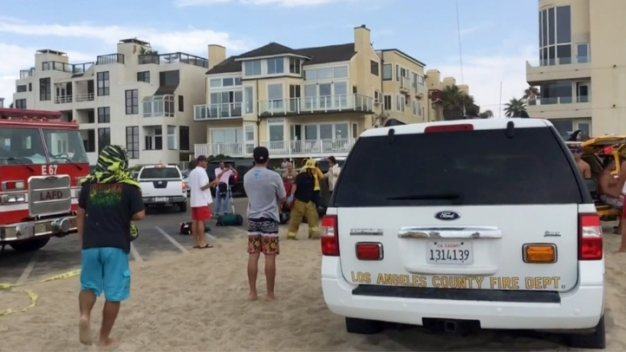 Lightning Strike Kills Venice Beachgoer