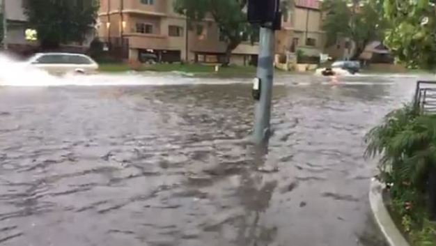 Raw Video: Moorpark Street Flooding