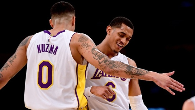 Lakers Beat Knicks, Clarkson Crucial