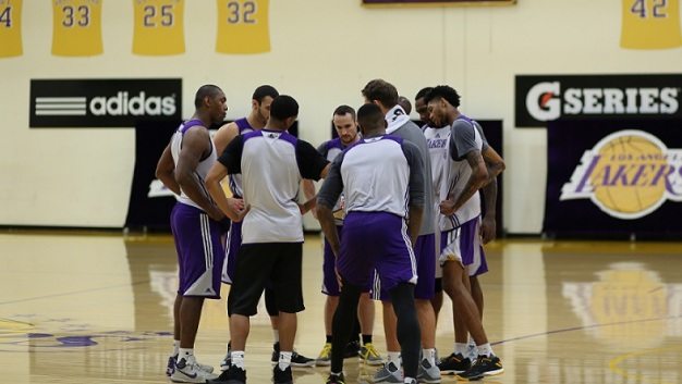 Lakers Finalize Roster, Cut Yi and Anthony Brown