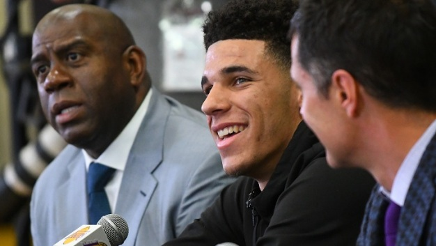 Report: Lakers Tell Lonzo Ball's Father to Calm Comments