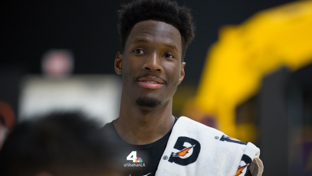 Lakers Sign Nigel Hayes, Lonzo Ball Out