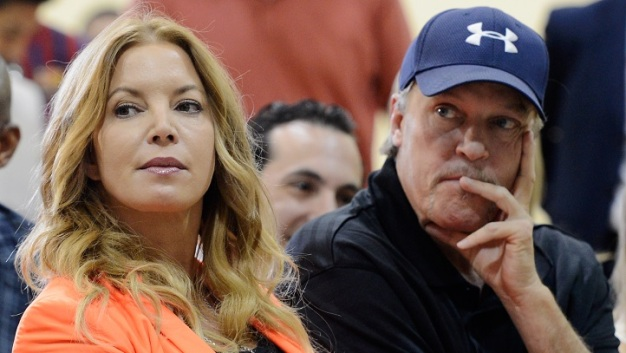 Buss Family Ends Spat Over Lakers Ownership