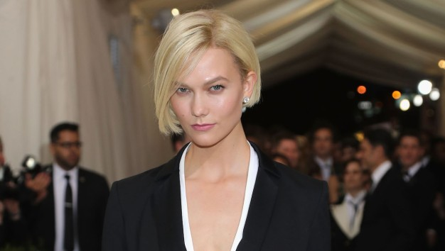 'Beats the Traffic': Karlie Kloss Takes Pedicab to Met Gala