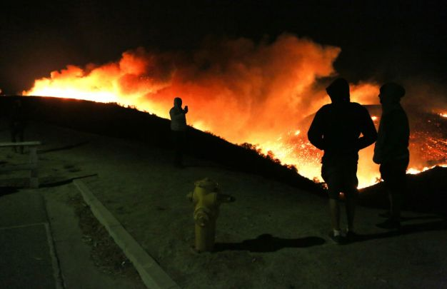 LAFD Asks Public Not to Interfere With Firefight