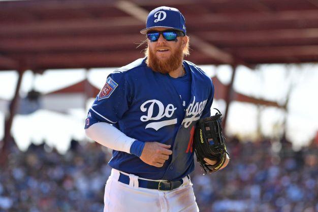 Dodgers' Justin Turner Suffers Broken Wrist