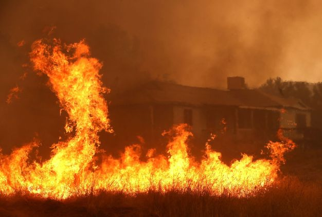 Calif. Wildfire Rages on, Scorches 109 Square Miles