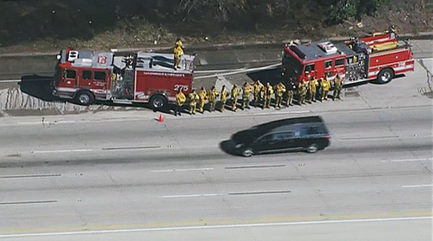[LA] Mourners Line Nancy Reagan Procession Route