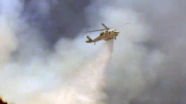 Watch: Helicopters Deliver One-Two Punch on Burbank Fire