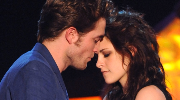 """Twilight"" Grabs Five MTV Movie Awards"