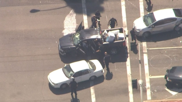 4 Arrested Following 7-Minute Pursuit in Orange County