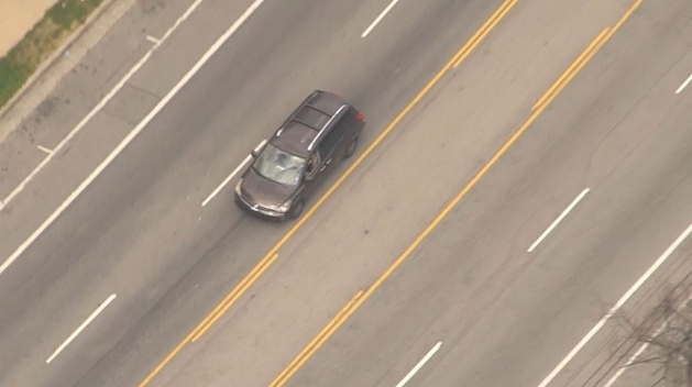 Police Spin Out Ends Police Chase in Silver Lake Area