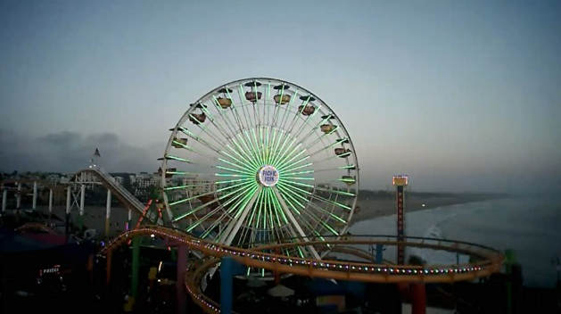 Ferris Wheel in Santa Monica Turns Green for Earth Day