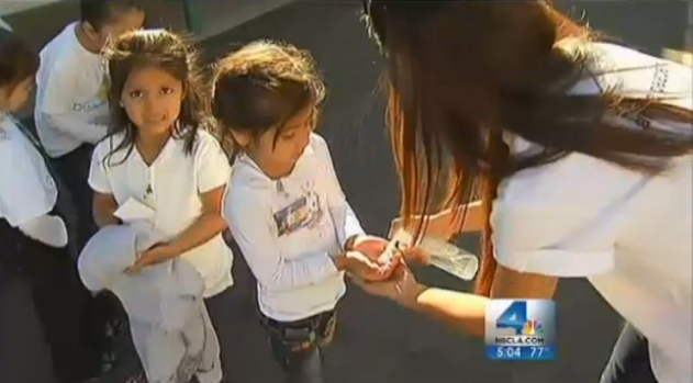 [LA] Elementary Students Practice Flu Prevention