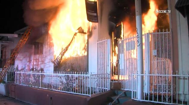 Firefighters Rescue 4 Children Trapped in Burning House