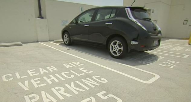 Electric Vehicle Batteries Could Cost Owners
