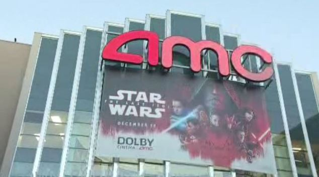 'Star Wars' Fans Enraged When New Film Starts Without Sound