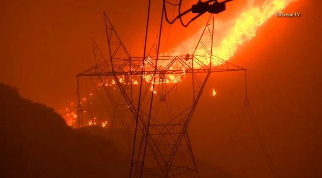 Man Found Dead Amid Santa Clarita Wildfire