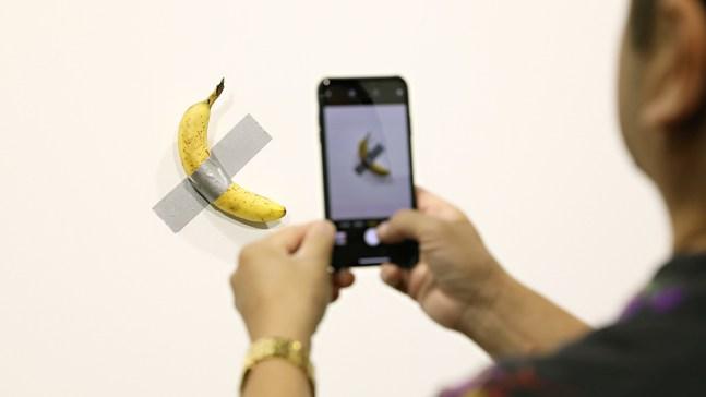 NYC-Based Artist Eats $120,000 Banana at Miami Art Basel