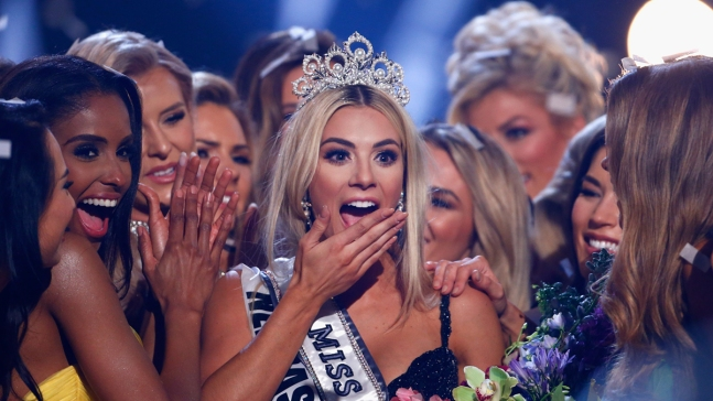 Miss USA Calls Out Contestant for Not Speaking English