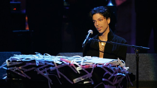 Unplugged: Prince's New Music Showcases Jazzy Piano Playing