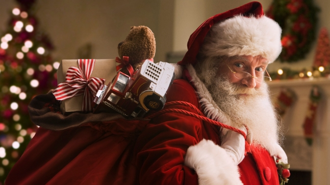 NORAD Tracks Santa Delivering Gifts