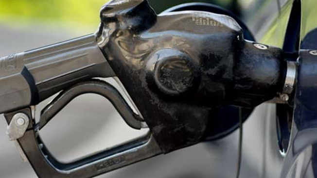 LA, OC Gas Prices Hit 10-Month Low