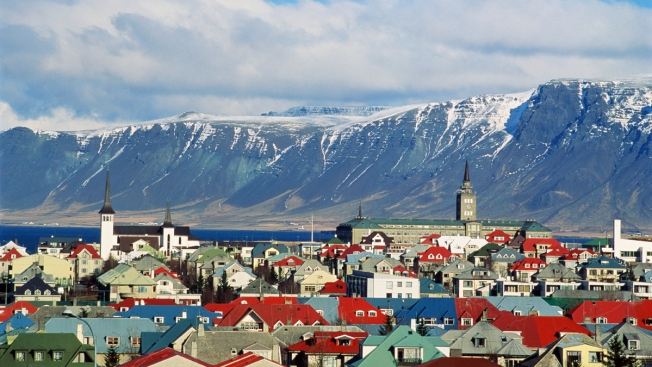 'Dare to Take New Steps': Iceland to Require Employers Prove They Offer Equal Pay
