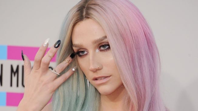 """Ke$ha Leaves Rehab in Illinois, Resurfaces in L.A. With Rainbow Hair: """"Happy to Be Back!"""""""