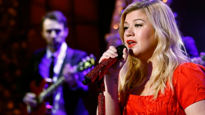 Kelly Clarkson Cancels the Rest of Her 2015 Tour Dates: 'This Kills Me'